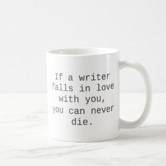 """""""Si un escritor cae en amor con usted…"""" productos Taza Básica Blanca"""