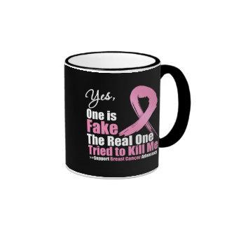 Sí uno es cáncer de pecho falso taza a dos colores