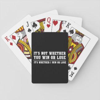 Si usted gana o pierde cartas de juego