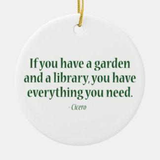 Si usted tiene un jardín y una biblioteca ornamento de reyes magos