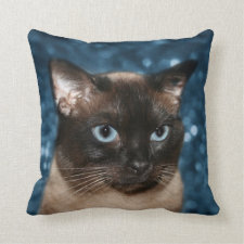 Siamese cat face throw pillow