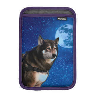 Siberian husky and the Blue Moon Sleeve For iPad Mini