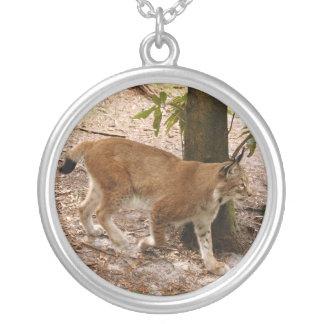 siberian lynx 031 round pendant necklace