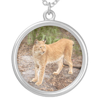 siberian lynx 034 round pendant necklace