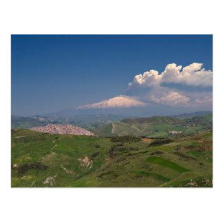 Sicilia - erupción de la postal del Etna