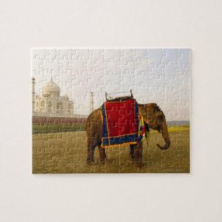 Side profile of an elephant, Taj Mahal, India Puzzle
