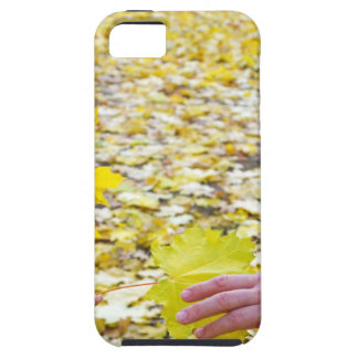 Side view of the hands of young girls and women cl iPhone SE/5/5s case