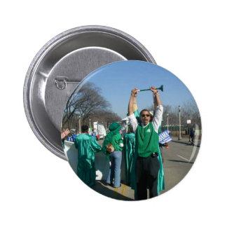 Siegue-Bama las marchas (de Obama) con los guardab Pins