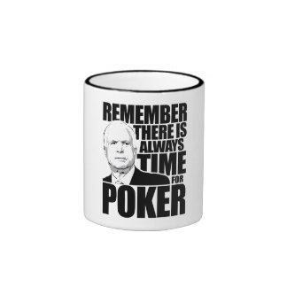 Siempre hora para el póker taza de café