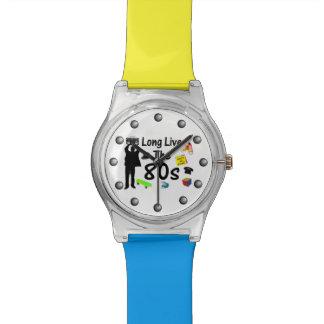 Siempre y para siempre, viven de largo los años 80 relojes de mano