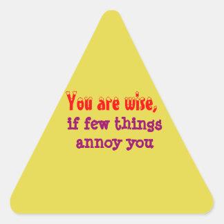 Siendo sabio - palabras de la sabiduría pegatina triangular