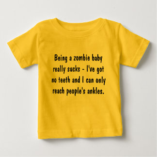 Siendo un bebé del zombi… playera de bebé