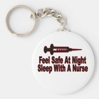 Sienta seguro en la noche, sueño con una enfermera llavero redondo tipo pin