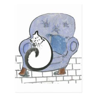 Siesta del gato en la silla cómoda azul grande tarjeta postal