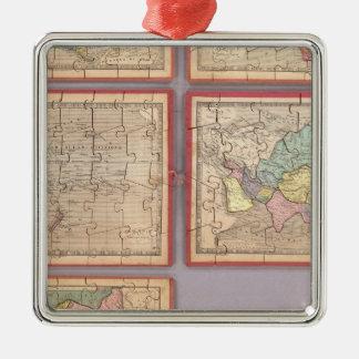 Siete mapas del rompecabezas del mundo adorno navideño cuadrado de metal