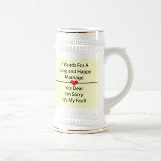 Siete palabras para una boda larga y feliz jarra de cerveza