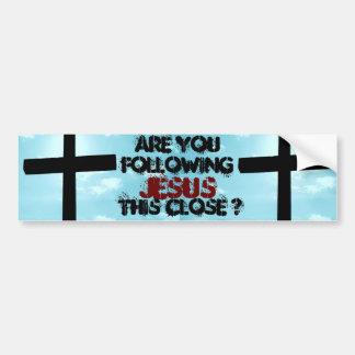 Siga el arte inspirado de la iglesia de la fe del  pegatina de parachoque