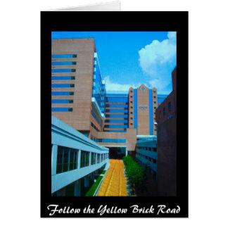 Siga el camino amarillo del ladrillo tarjeta de felicitación