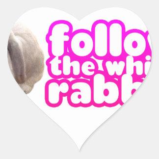 Siga el conejo blanco - conejito lindo pegatina en forma de corazón