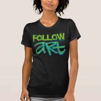 Siga su camisa del arte