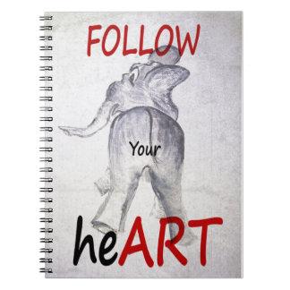SIGA su corazón con el cuaderno de Ellie