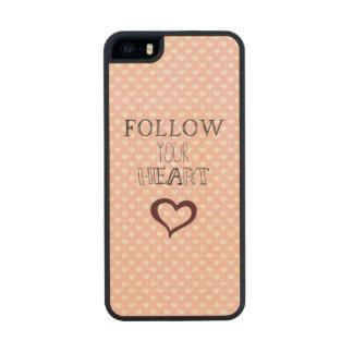 Siga su corazón funda de arce carved® para iPhone 5 slim