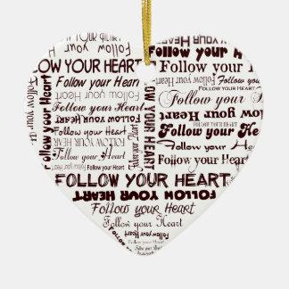 Siga su corazón - ornamento blanco y negro ornamentos de navidad