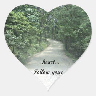 Siga su corazón… pegatina en forma de corazón