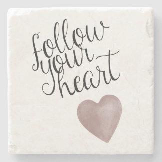 Siga su corazón posavasos de piedra