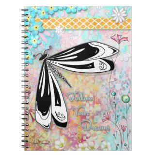 Siga su cuaderno de la libélula de los sueños