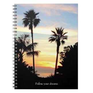Siga su cuaderno de la puesta del sol de los