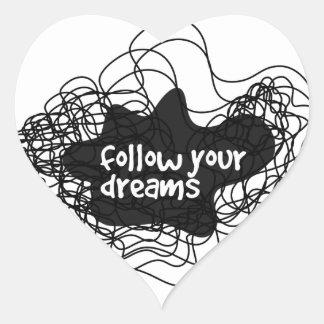 siga sus sueños pegatina en forma de corazón