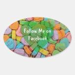 Sígame en corazones del Facebook-Caramelo con el Calcomania De Óval Personalizadas