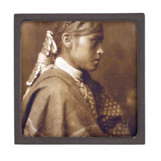 Sigesh (chica de Apache) Caja De Regalo De Calidad