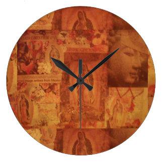 Sightings Clock
