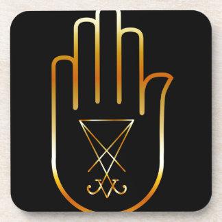 Sigil de Lucifer en una palma Posavaso