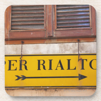 Sign pointing the way to the Rialto Bridge Drink Coaster