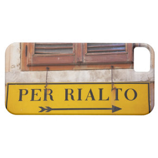 Sign pointing the way to the Rialto Bridge, iPhone 5 Cases