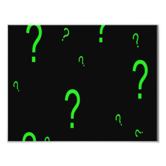 Signo de interrogación verde de neón fotografias