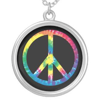 Signo de la paz 2 del teñido anudado collar plateado