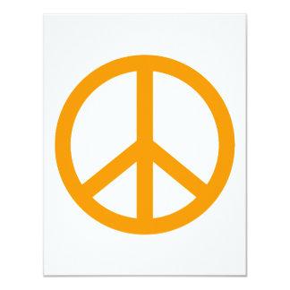 """Signo de la paz anaranjado invitación 4.25"""" x 5.5"""""""