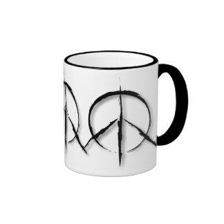 Signo de la paz Brushed-1 Taza De Dos Colores
