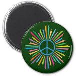 Signo de la paz colorido del anillo de los rayos imán
