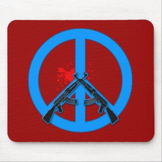 Signo de la paz con AK-47s y la sangre Tapete De Ratones