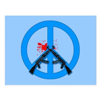 Signo de la paz con AK-47s y la sangre Tarjetas Postales