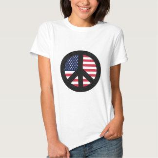 Signo de la paz con la bandera americana playera