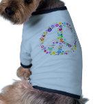 Signo de la paz de flores camisetas de perrito
