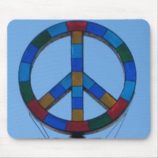 Signo de la paz de la playa del océano tapetes de ratones