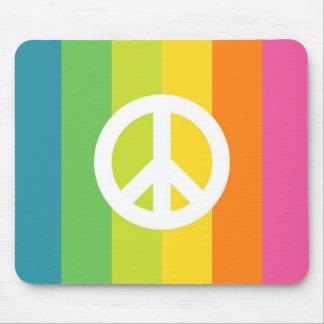 Signo de la paz del arco iris mouse pads