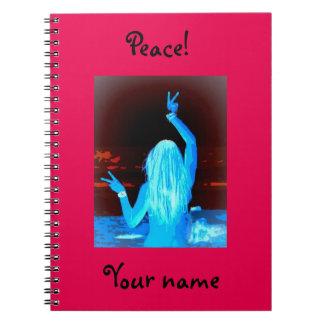 signo de la paz del chica del hippie libros de apuntes